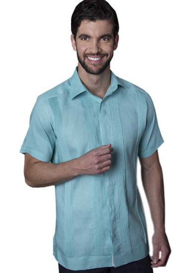 No pocktes with Pleats Guayabera Slim Fit. High Quality Shirt. Linen Premium. Short Sleeves. Mint Color. Back Orders or Demand.