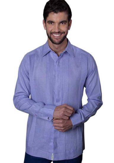 No pocktes with Pleats Guayabera Slim Fit. High Quality Shirt. Linen Premium. Double Eyelet for use Cufflinks. Lavender Color. Back Orders or Demand.
