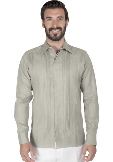 No pocktes with Pleats Guayabera Slim Fit. High Quality Shirt. Linen Premium. Double Eyelet for use Cufflinks. Limestone Color. Back Orders or Demand.