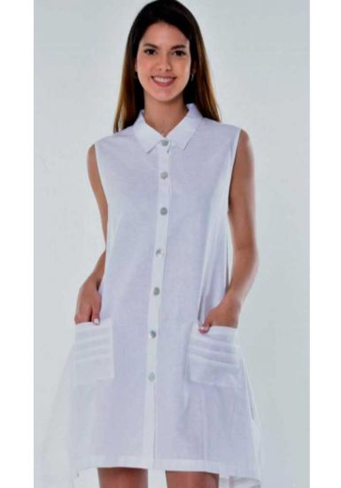 Casual Sleeveless Dress. Two  Pockets. White color.