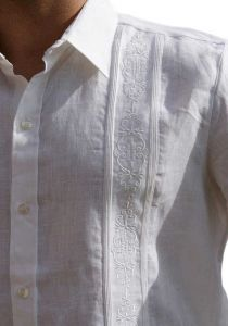 No pockets wedding Guayabera shirt. Pleats. D'accord.