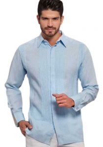 No pocktes with Pleats Guayabera Slim Fit. High Quality Shirt. Linen Premium. Double Eyelet for use Cufflinks. Sky Blue Color. Back Orders or Demand.