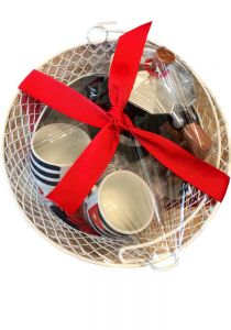 Cuban Cups and Coffee Maker in a basket as a Special Gift. Aluminum Cuban coffee maker. Traditional Cuban Maker.